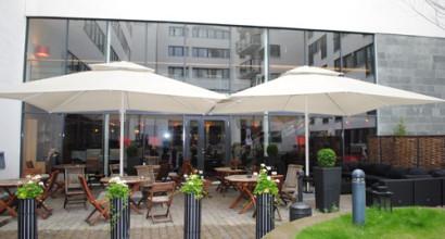 Hotel Odin i Göteborg köpte stora parasoller och ute inredning