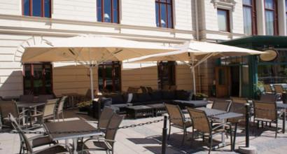Stadshuset i Sundsvall köpte bl.a. stora parasoller
