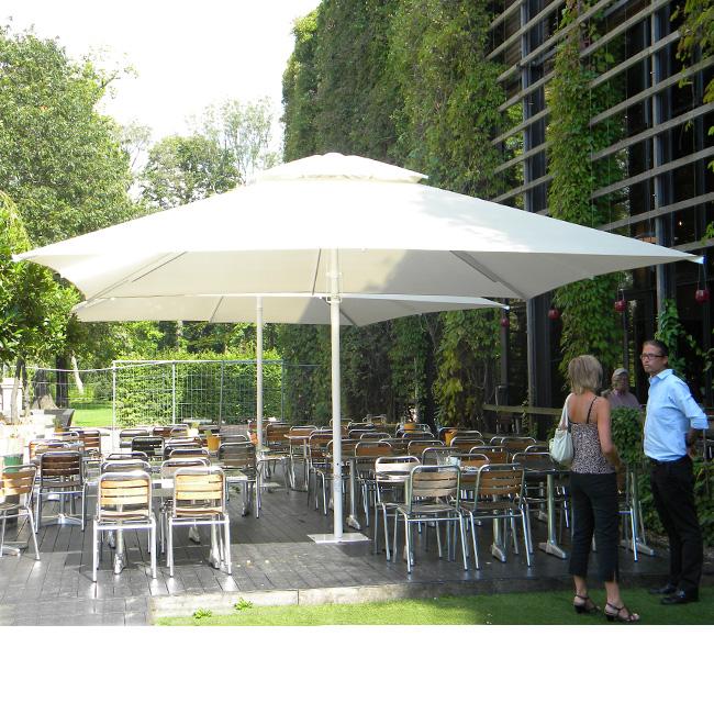 VerandaUteServeringar.se-Cleo-parasoll-miljö