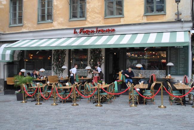 Il Forno Italiano i Stockholm, köpte StableTable och blev av med kullerstensproblemet.