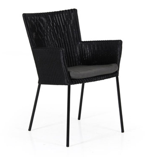 veranda.se-Clarita-karmstol-svart-svartgrå-dyna_650x650