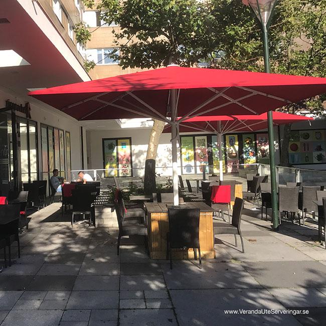 Ricemarket-Glatz-parasoll-Castello-4_w940x400
