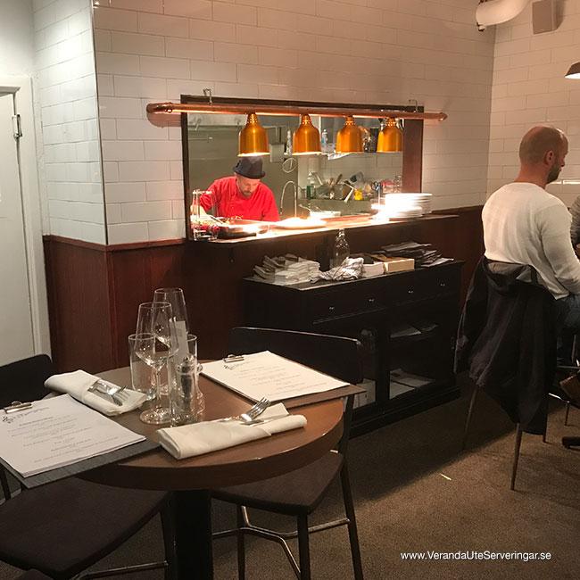 veranda.se-VerandaUteserveringar.se-Restaurang-Inne-Lyckliga-Gatan-30-köket_w650x650