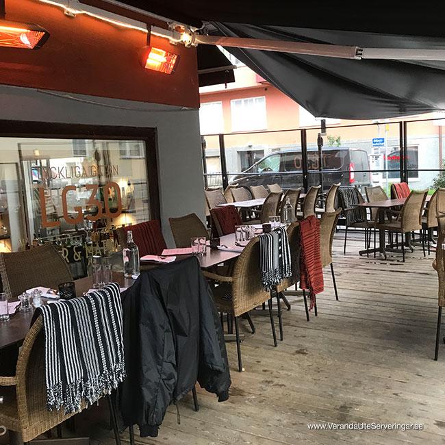 veranda.se-VerandaUteserveringar.se-Restaurang-Inne-Lyckliga-Gatan-30-ute1_w650x650