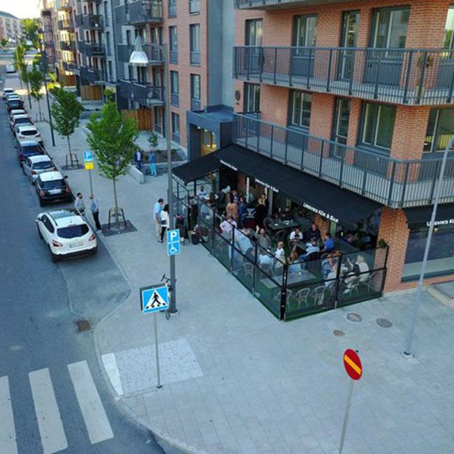 Kunder-Ursviks-Kök-Bar-Glasinramning_w650x650